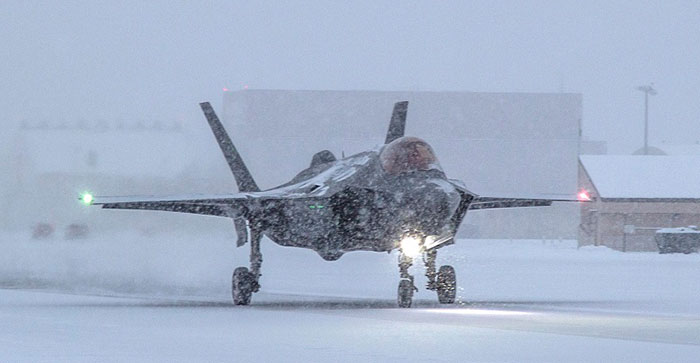 """AF-2, Major Jonthan """"Spades"""" Gilbert, Icy Taxi Check Out, Golf, Eielson AFB, AK, 8 November 2017"""