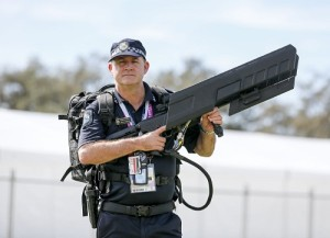 QLD Police DG MKII - Comm Games - AAP Image